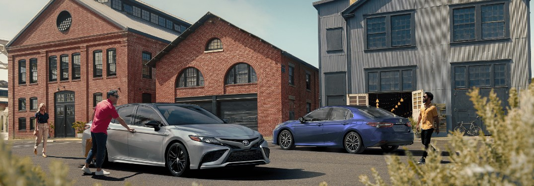 2021 Toyota Camry offers a long list of modern interior features that keep you connected, entertained and comfortable while on the road