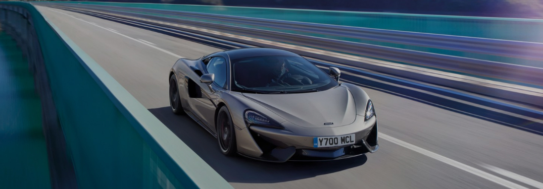 What driving modes does the 2019 McLaren 570S offer?
