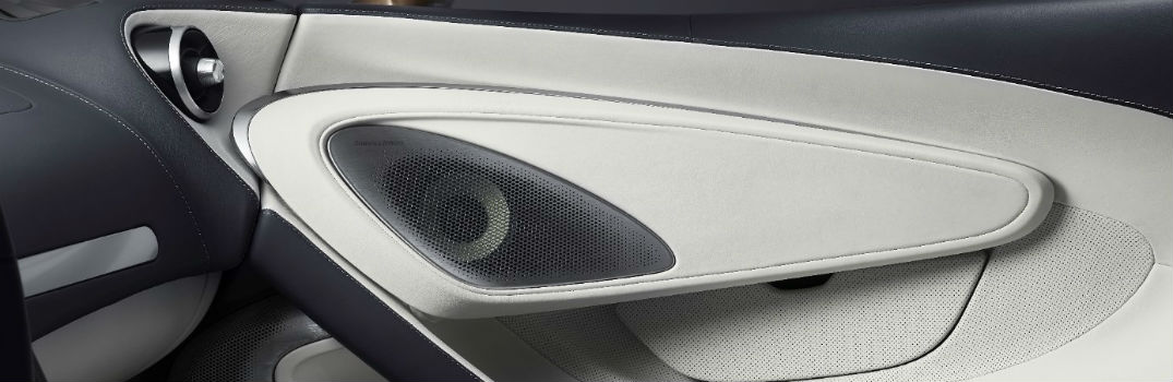 What audio systems are in the McLaren Speedtail and GT?