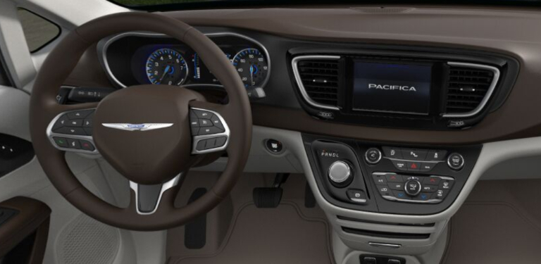 2020 Chrysler Pacific Cognac and Alloy Interior