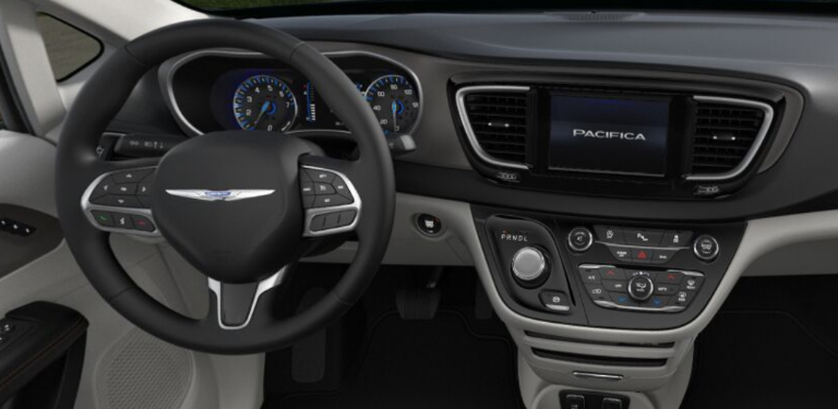 2020 Chrysler Pacifica Black and Alloy Cloth Interior