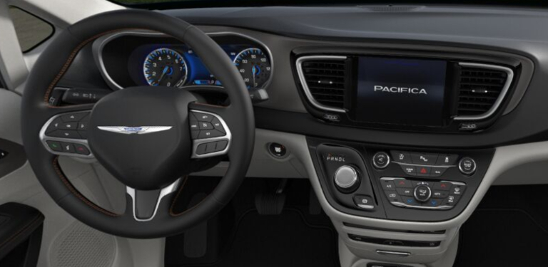 2020 Chrysler Pacifica Black and Alloy Leather