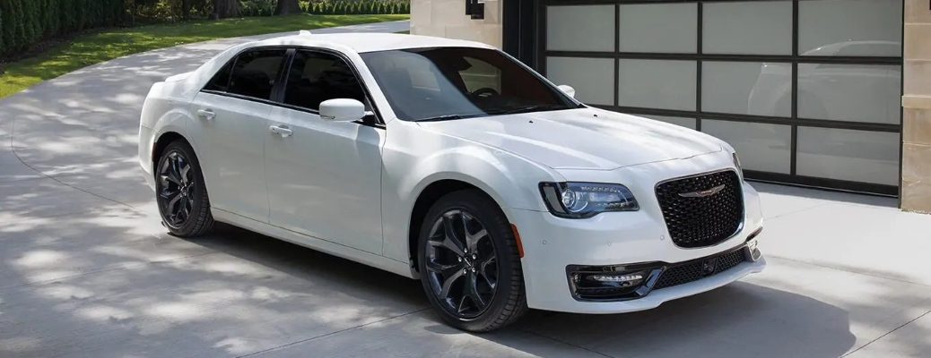 Check out the nine exterior color options available on the 2021 Chrysler 300!
