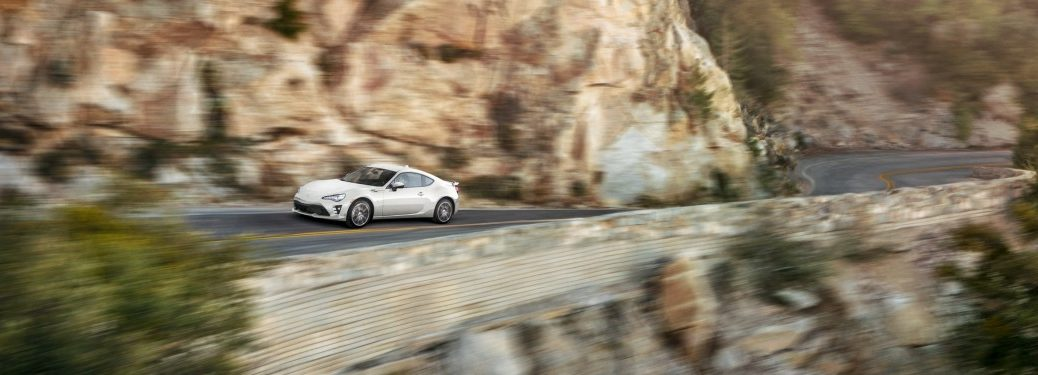 2019 Toyota 86 driving along cliffs