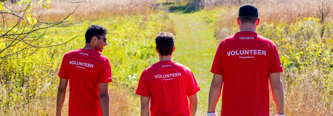 Toyota Helps Improve Environment with Donations and Volunteer Work