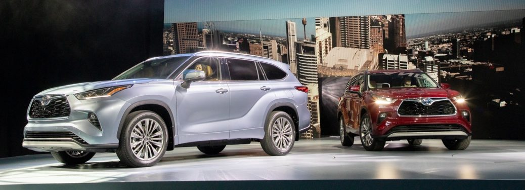 Two 2020 Highlander models on display at NYIAS 2019