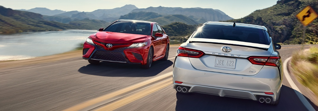 Does the 2020 Toyota Camry have Apple CarPlay and Android Auto?