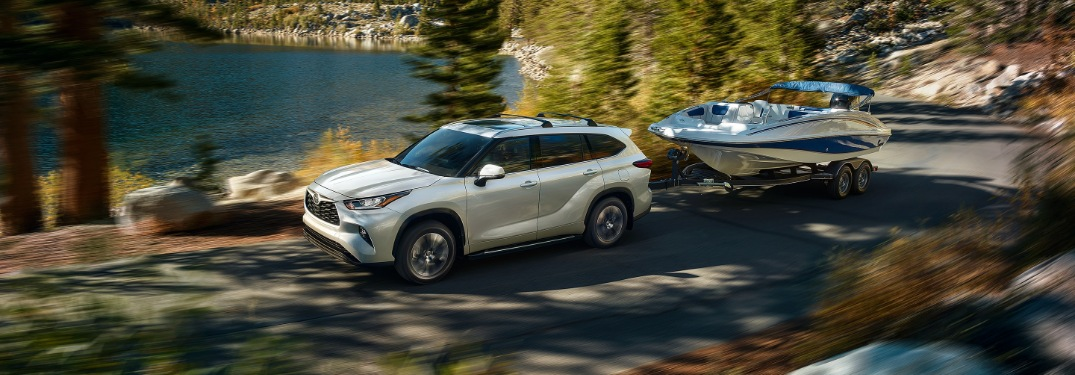 How much can the 2020 Toyota Highlander tow?