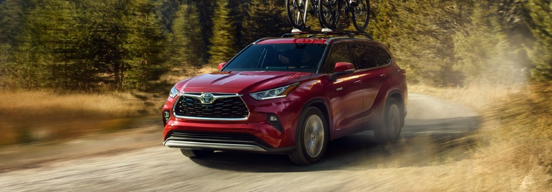 Which colors are available on the 2021 Toyota Highlander?