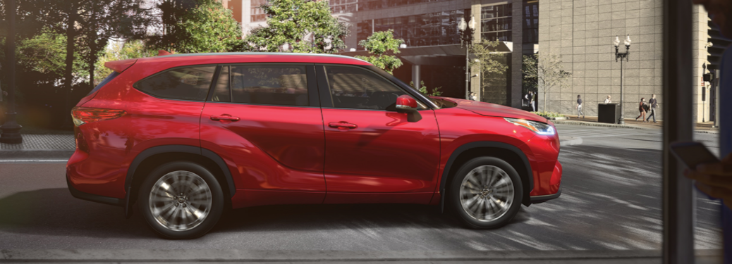 2020 Toyota Highlander parked outside