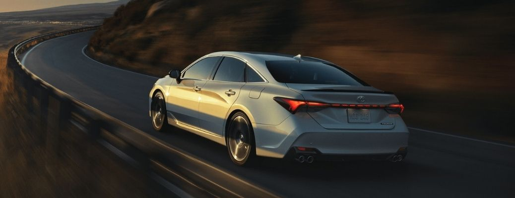 What are the new technologies inside the 2021 Toyota Avalon Hybrid?