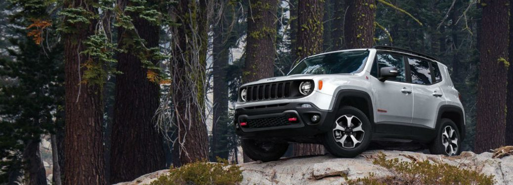 2020 Jeep Renegade fascia driver side on boulder trees in background