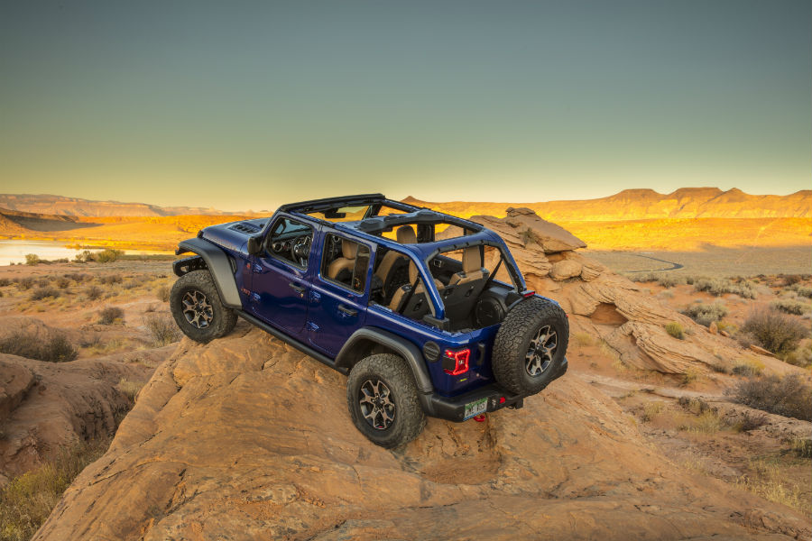 A photo of the 2020 Jeep Wranlger Rubicon with the EcoDiesel engine.