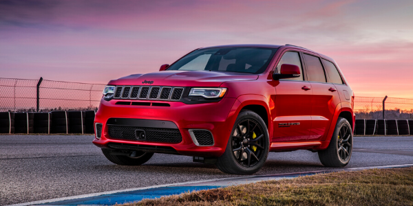 Front view of red 2020 Jeep Grand Cherokee