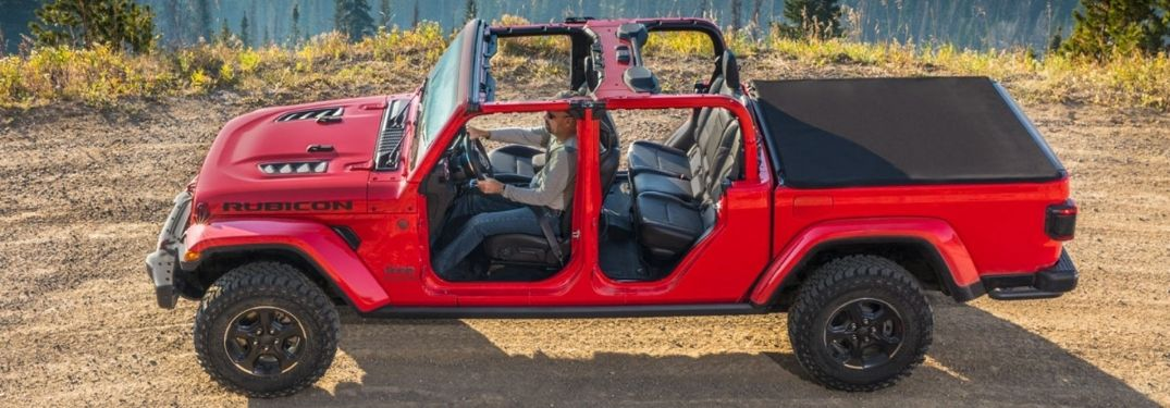 Learn How To Remove the Jeep Gladiator Doors, Roof and Windshield