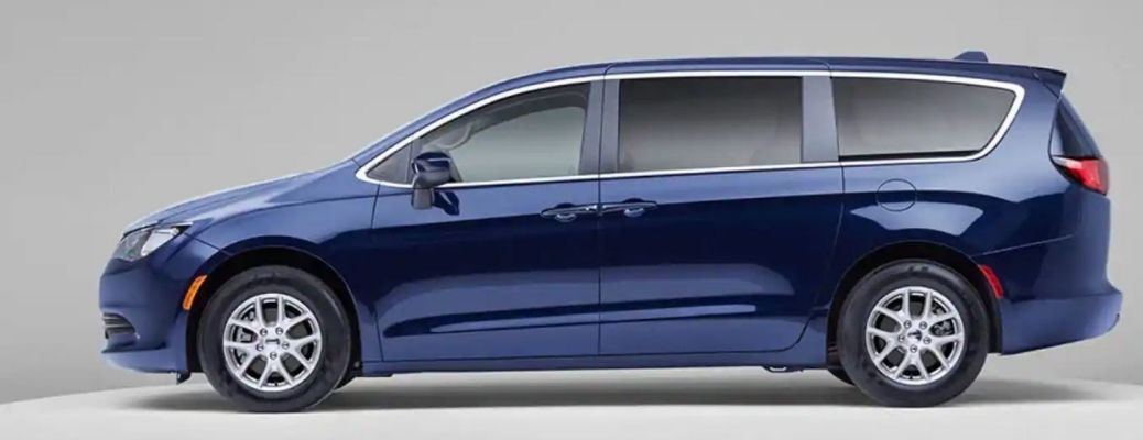 2020 Chrysler Voyager parked side view