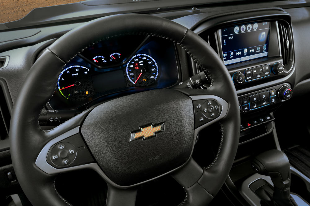 Chevy Colorado ZH2 steering wheel and dashboard