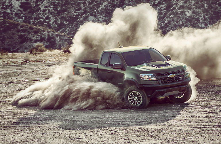 2017 Chevy Colorado ZR2 kicking up dust