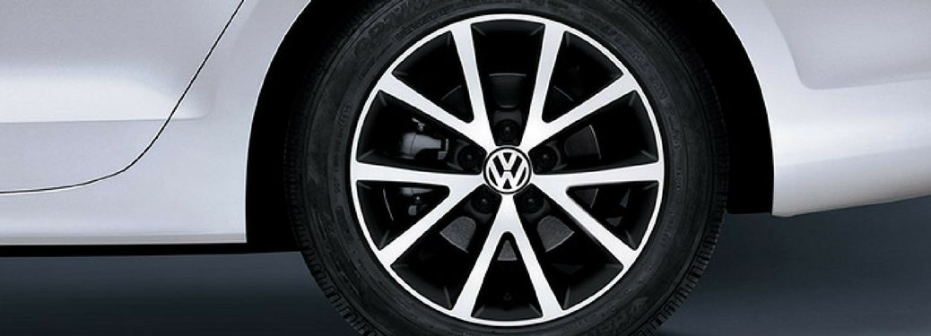 close up of the wheel of the 2018 vw jetta