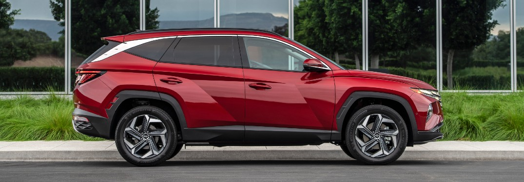 Which Powertrain Options are Offered for the 2022 Hyundai Tucson?