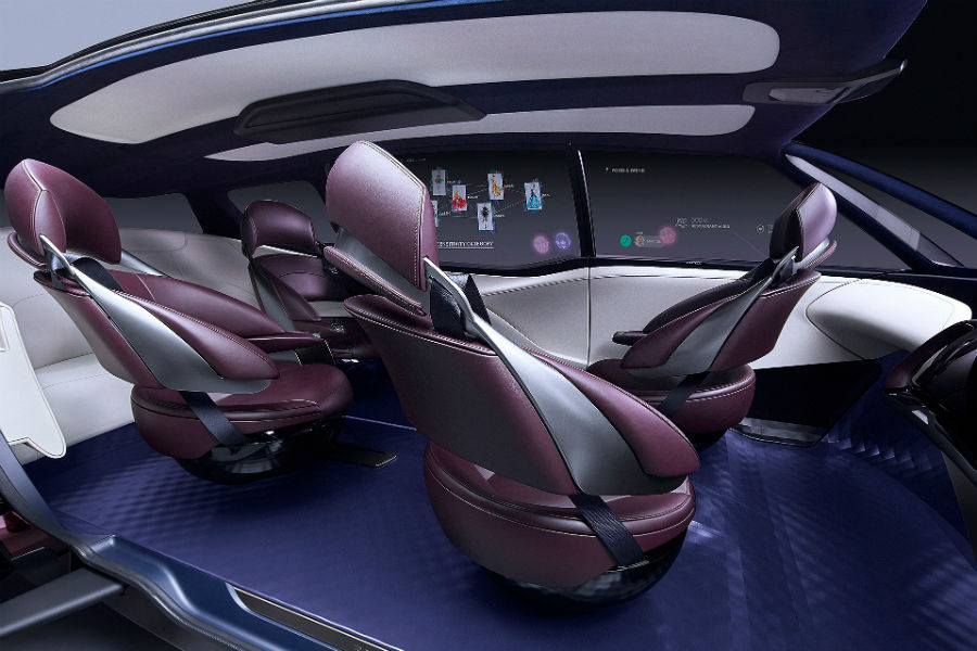 toyota fine comfort ride fuel cell concept van interior with swivel chairs and cabin_o