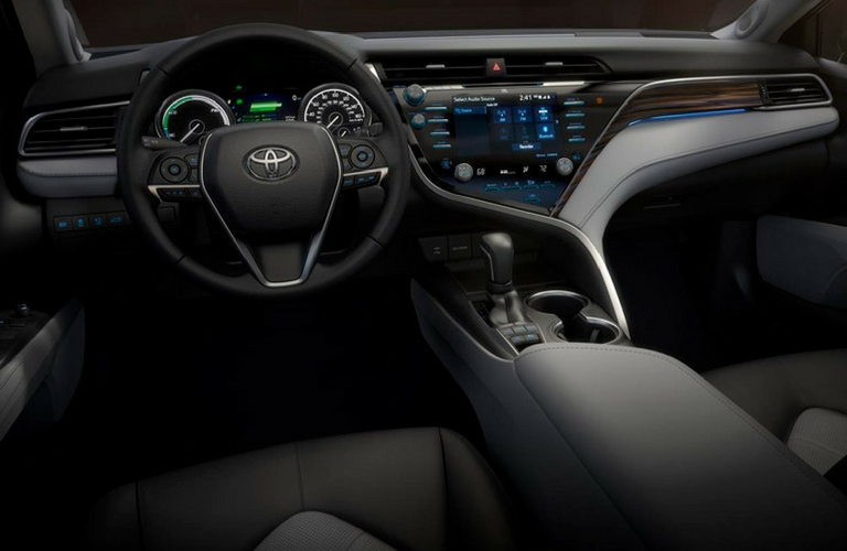 2018 Toyota Camry Dash and Wheel View.