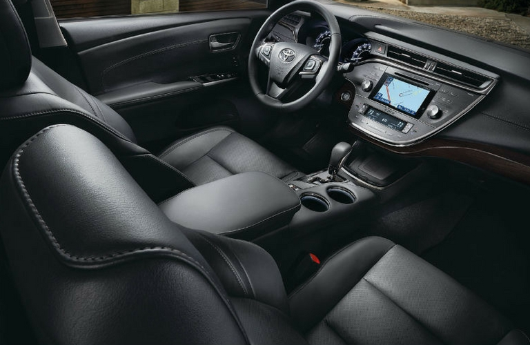 2018 Tooyta Avalon seats and wheel view.