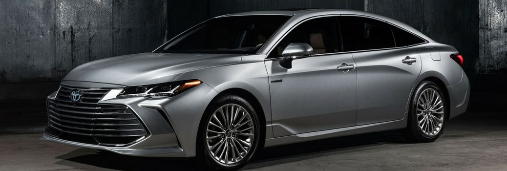 2019 Toyota Avalon parked in gray room