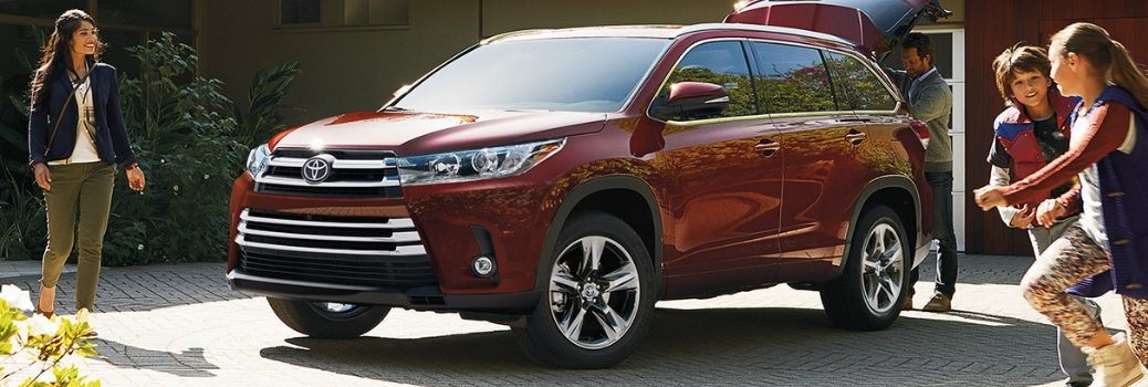 2019 Toyota Highlander parked in driveway