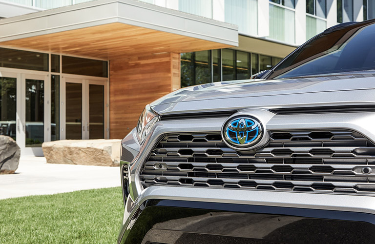 front grille of the 2020 Toyota Rav4