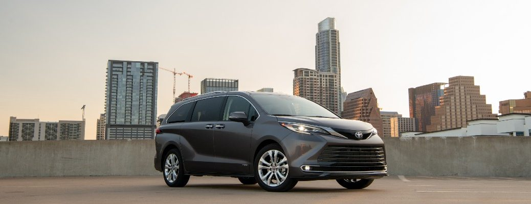 A photo of the 2021 Toyota Sienna.