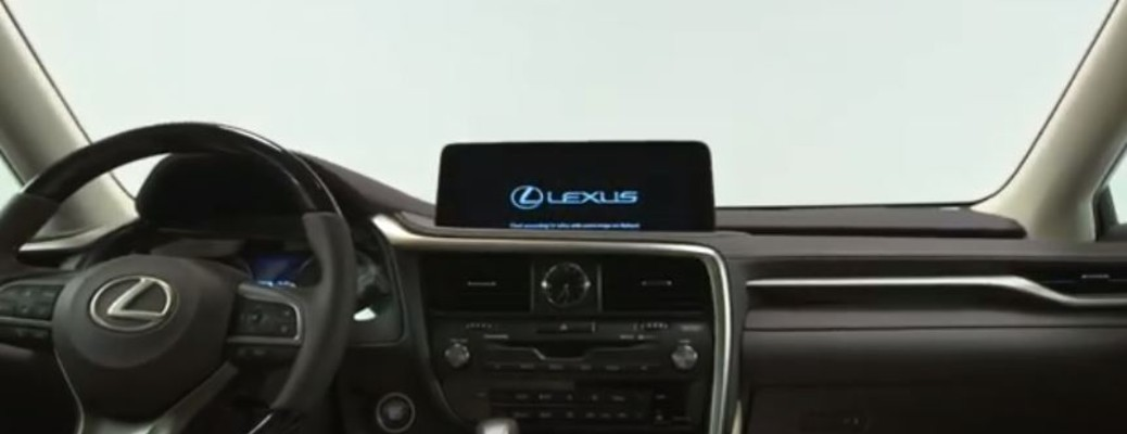 2020 Lexus RX touchscreen display