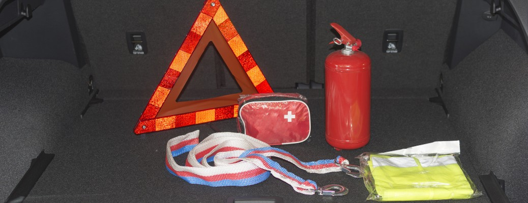 car emergency kit reflective cone first aid fire extinguisher