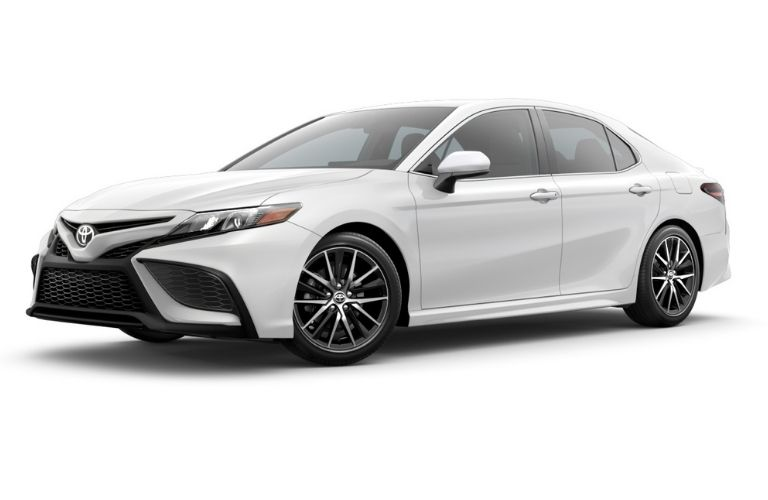 2018 Toyota Camry LE in snow white color