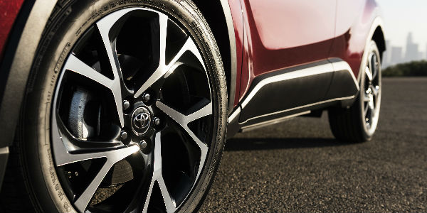 """View of 2018 Toyota CH-R 18"""" Alloy Wheels"""