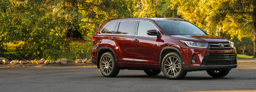 front and side view of red 2019 toyota highlander