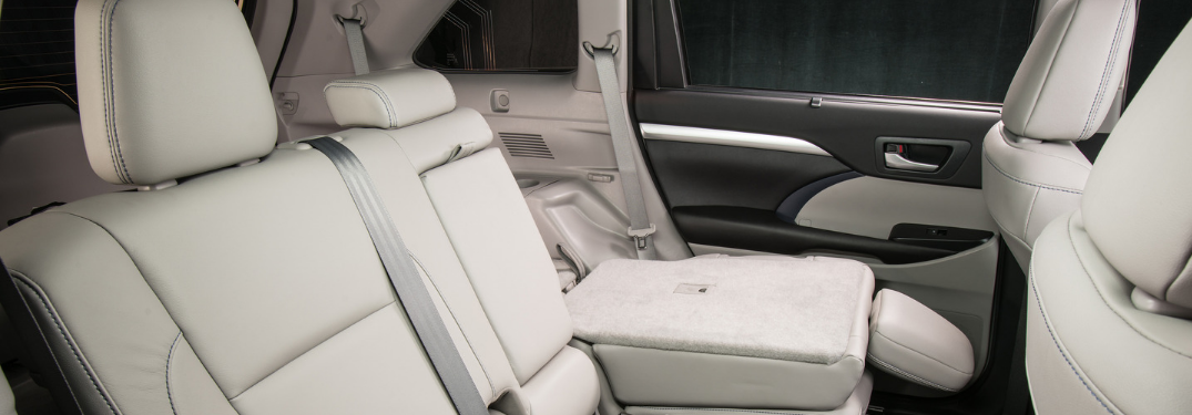 Toyota Highlander Cargo Space >> How Big Is The 2019 Toyota Highlander S Cargo Space