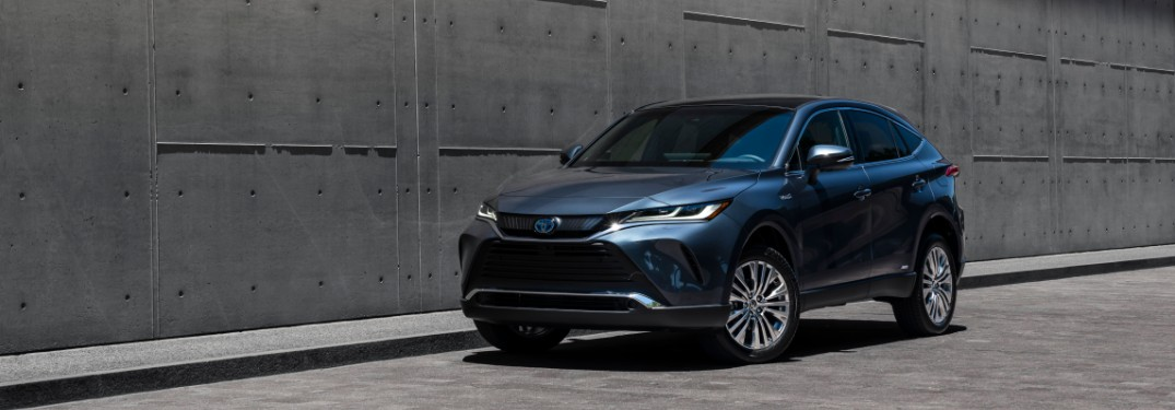 What interior features does the 2021 Toyota Venza have?