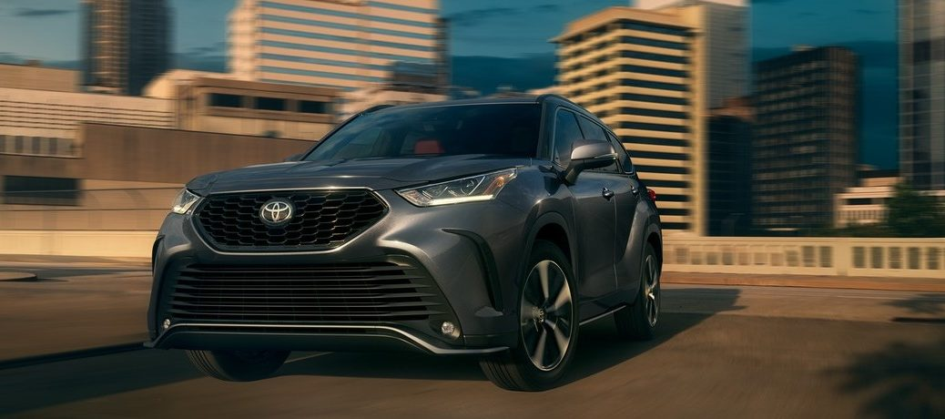 2021 Toyota Highlander from exterior front in city