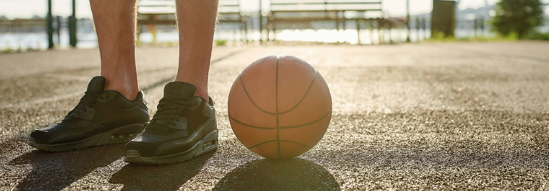 Where can I play basketball outside in Rock County, WI?