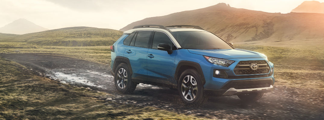 Next-Gen 2019 Toyota RAV4 Adds Dynamic Torque Vectoring AWD with Rear Driveline Disconnect