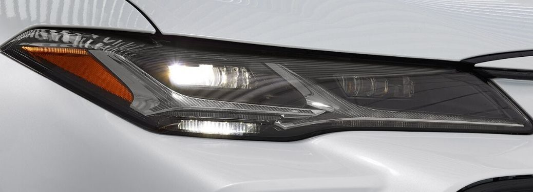 Close Up of 2020 Toyota Avalon Adaptive Headlights