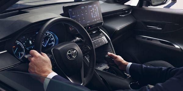 2021 Toyota Venza Steering Wheel and Dashboard with Touchscreen Display