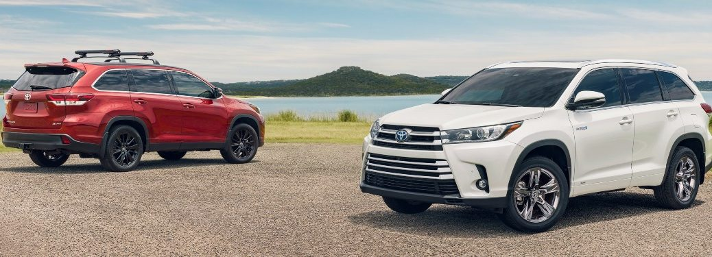 2019 Toyota Highlander red and white side view