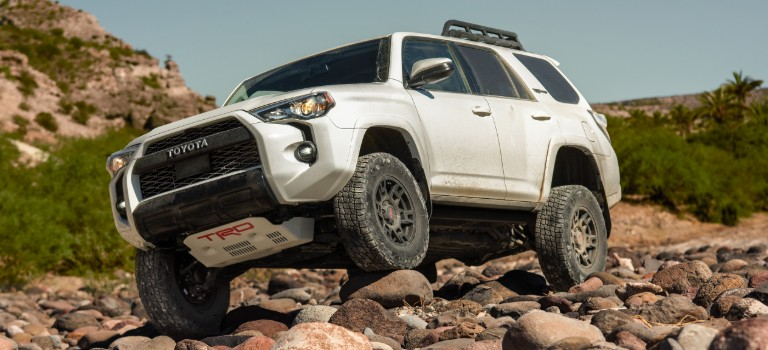 2020 Toyota 4Runner white side front