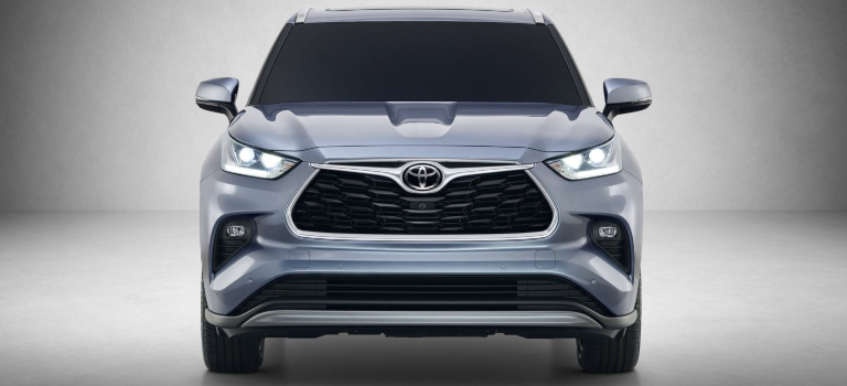 2020 Toyota Highlander gray front view