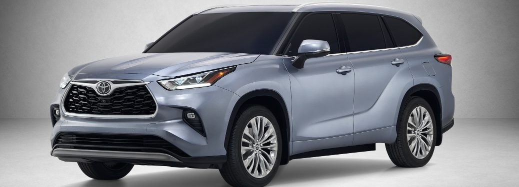 2020 Toyota Highlander gray side view