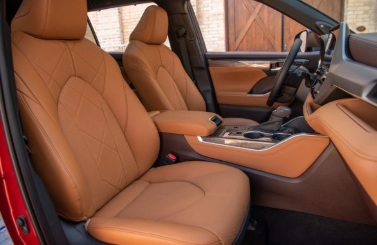 2020 Toyota Highlander interior in glazed caramel