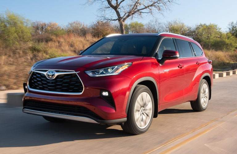 2020 Toyota Highlander red side front view