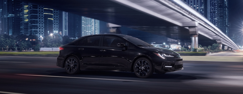 2020 Toyota Corolla balck side view at night